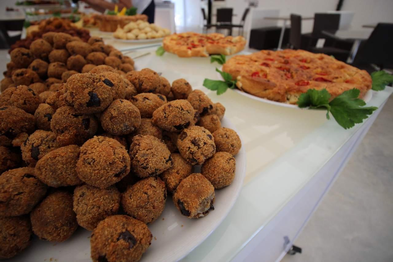 Alimini smile 16 piatti ristorante alimini smile for Piatti ristorante