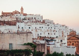 Escursioni a Ostuni – Photo by Daniel Corneschi on Unsplash